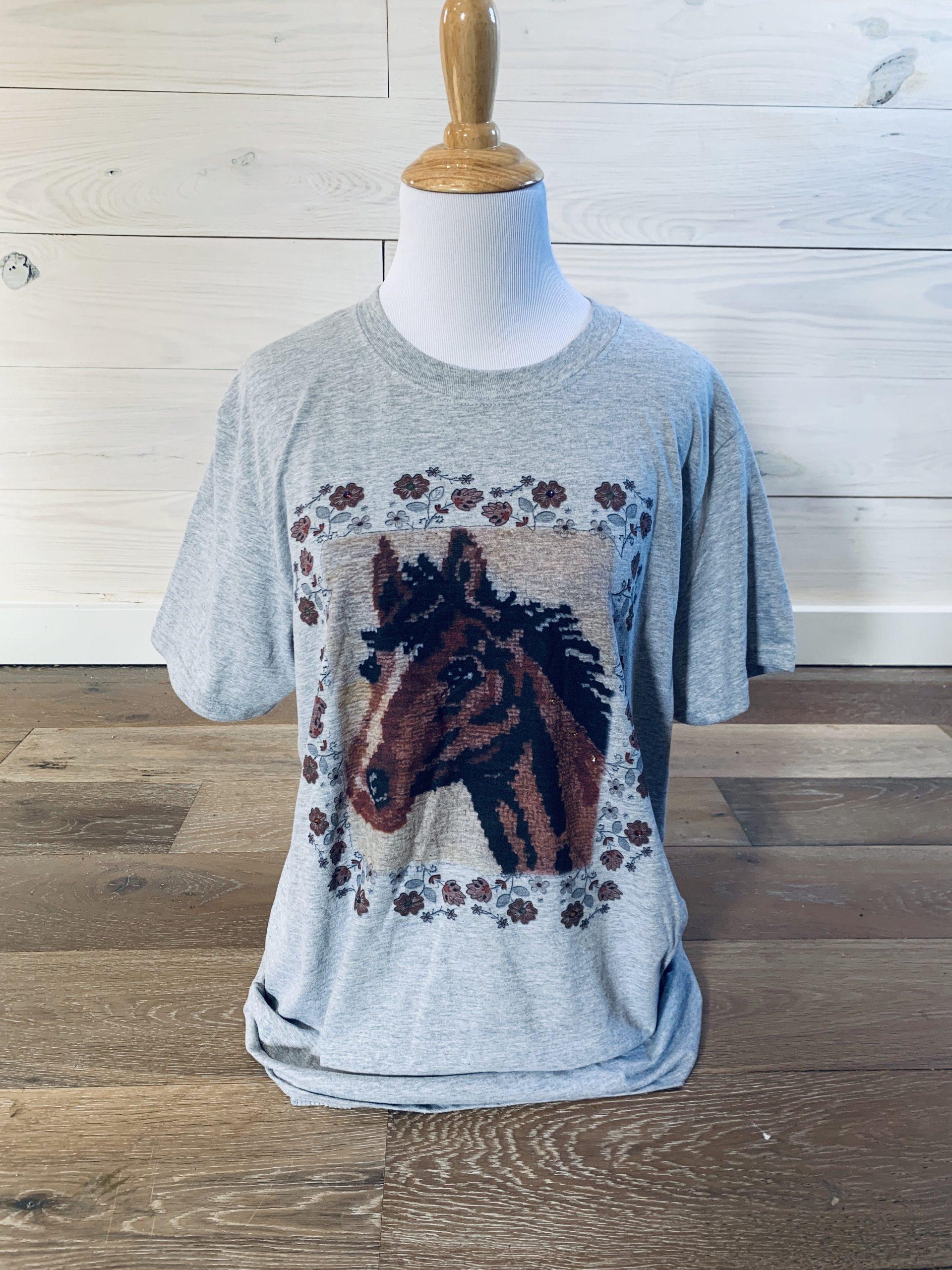 Latchhook Horse on Grey Softstyle Tee